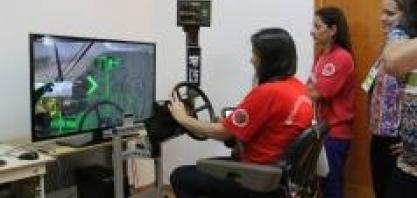 No VI Encontro Cana Substantivo Feminino, mulheres vão testar as habilidades no simulador de colhedora de cana