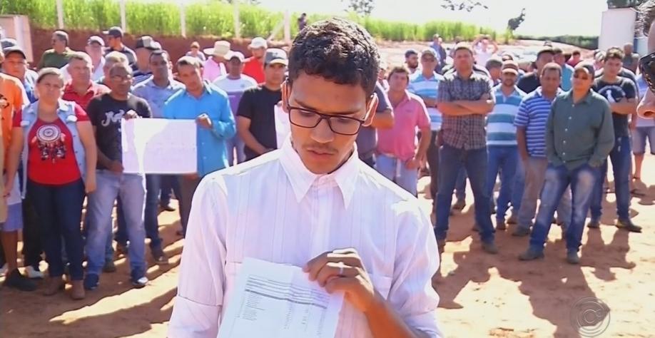 Funcionários de usina do noroeste paulista protestam contra atraso no pagamento de salário