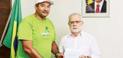 Ex-trabalhadores acionam Governo para reativar usina em Pernambuco