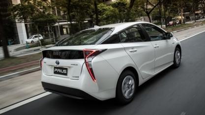 Toyota promete lançar carro híbrido que usa etanol no Brasil