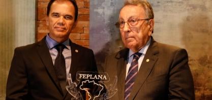 Feplana homenageia presidente da CNA com Ordem do Mérito Canavieiro