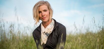 Conheça Ariel Greenwood, a jovem americana que cria gado enquanto restaura ecossistemas