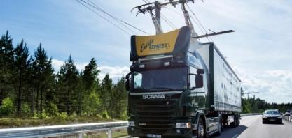 Alemanha inaugura rodovia que recarrega caminhões híbridos que circulam por ela