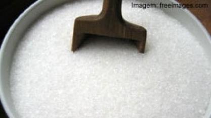 Açúcar: preços seguem em queda nas bolsas internacionais