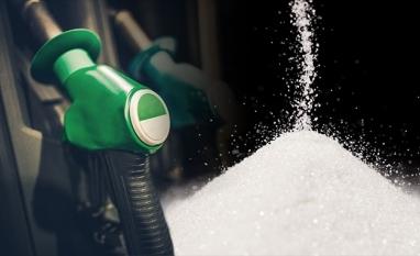 Preços do açúcar recuam nos mercados; indicador diário do etanol cai pela 5ª vez