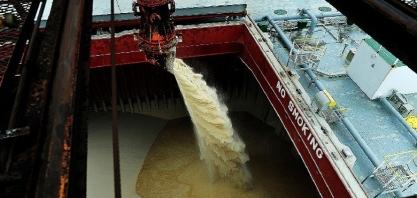 Brasil exportou menos açúcar e mais etanol em maio