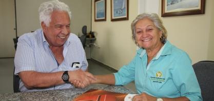 Doação de palhada da Agrovale também vai beneficiar agricultores familiares do Serrote da Batateira, em Juazeiro - BA