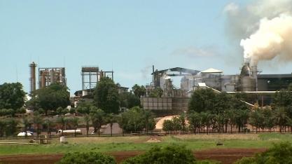 Usinas que transformam resíduos em energia e combustível
