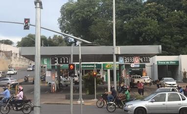 Preço do etanol continua subindo e chega a R$ 3,19 o litro em Cuiabá