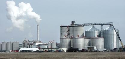 Produção de etanol dos EUA cai 2,9% na semana, a 1,005 milhão de barris/dia