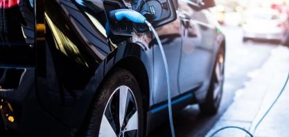 A transição para os carros elétricos e caminhões a gás