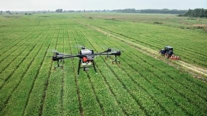 Governo de São Paulo e entidades se unem para criar políticas para o uso de drones na agricultura