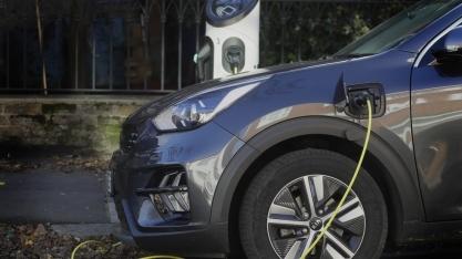 Reino Unido antecipa proibição de carros a gasolina e diesel para 2030
