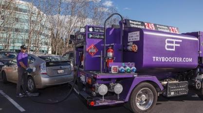 Longe do posto: delivery de gasolina vira tendência nos EUA