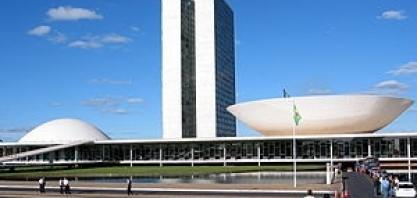 Caminhoneiros: Frente parlamentar notifica governo sobre greve e critica política de preços da Petrobras