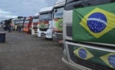 'Caminhoneiros não querem esmolas', diz associação em nota, sobre ajuda de R$ 400